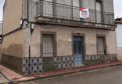Chalet pareado en calle Jaén